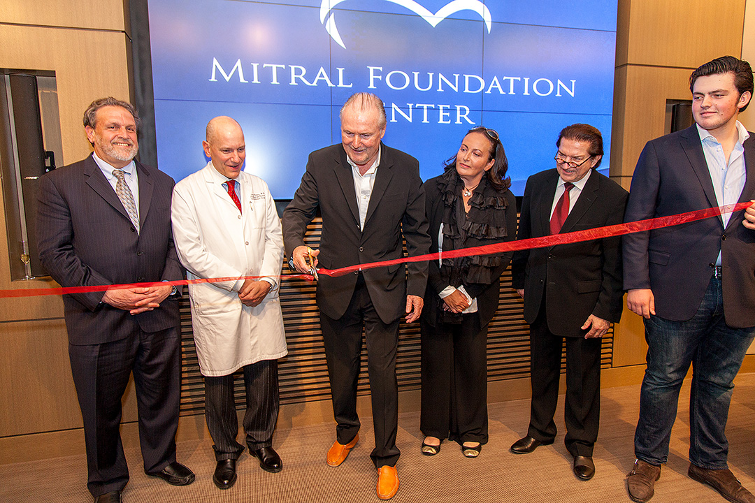 Opening reception of the Mitral Foundation Center. From left to right - Dr. Dennis Charney (Dean of the Icahn School of Medicine at Mount Sinai), Dr. David H. Adams, Jürgen R.A. Friedrich, Anke Friedrich, Dr. Hermann F. Sailer and Max Friedrich.